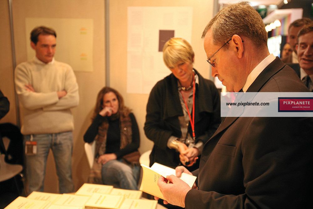 Le Ministre de la Culture Renaud Donnedieu de Vabres - Salon du livre 2007 à Paris - Le 23/03/2007 - JSB / PixPlanete