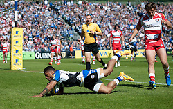 Kyle Eastmond of Bath Rugby scores a try - Photo mandatory by-line: Patrick Khachfe/JMP - Mobile: 07966 386802 16/05/2015 - SPORT - RUGBY UNION - Bath - The Recreation Ground - Bath Rugby v Gloucester Rugby - Aviva Premiership