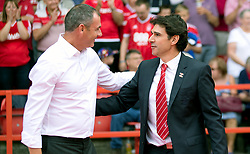 Reading manager Paul Clement (left) and Nottingham Forest manager Aitor Karanka shake hands ahead of the match