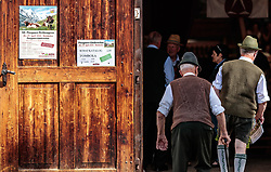 29.04.2018, Maishofen, AUT, XII Weltkongress Pinzgauer Rind, im Bild zwei ältere Bauern, Rückenansicht // two older farmers, back view during the XII Pinzgauer cattle World Congress in Maishofen, Austria on 2018/04/29. EXPA Pictures © 2018, PhotoCredit: EXPA/ JFK
