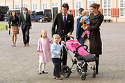 Prinses Leonore dochter , de jongste dochter van Prins Constantijn en  Prinses Laurentien is zondagochtend 8 oktober 2006 in  de kapel van Paleis Het Loo  in Apeldoorn gedoopt. / Princes Leonore, the jongest daughter of Prince Constantijn en Princes Laurentien, is baptist in Palace Het Loo in Apeldoorn.<br /> <br /> Op de foto / On the photo:  Prins Maurits, prinses Marilene en hun kinderen Anna, , Felicia en Lucas . / Prince Maurits and Princes Marilene with their children Anna , Felicia and Lucas .