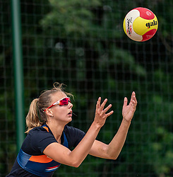 Katja Stam in action. From July 1, competition in the Netherlands may be played again for the first time since the start of the corona pandemic. Nevobo and Sportworx, the organizer of the DELA Eredivisie Beach volleyball, are taking this opportunity with both hands. At sunrise, Wednesday exactly at 5.24 a.m., the first whistle will sound for the DELA Eredivisie opening tournament in Zaandam on 1 July 2020 in Zaandam.