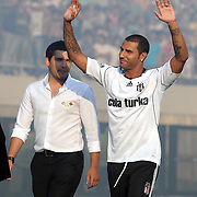 Besiktas Istanbul's new Portuguese soccer player Ricardo Quaresma (R) poses for the media after signing a contract with Turkish soccer club Besiktas at Inonu stadium in Istanbul June 19, 2010.Photo by TURKPIX