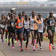 20-10-2019: Atletiek: TCS Amsterdam Marathon: Amsterdam,  km 15, langs de Amstel,  Daniel Kemboi, Enos Kakopil,  Leading group men, Lucas Rotich