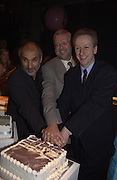 Alan yentob, Greg Dyke and roland Keating. Launch B.B.C. Four, Fashion St. London. © Copyright Photograph by Dafydd Jones 66 Stockwell Park Rd. London SW9 0DA Tel 020 7733 0108 www.dafjones.com
