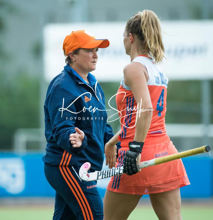 SCHIEDAM - bondscoach Alyson Annan (Ned)  na de oefenwedstrijd tussen  de dames van Nederland en Belgie , in aanloop naar het  EK Hockey, eind augustus in Amstelveen. COPYRIGHT KOEN SUYK