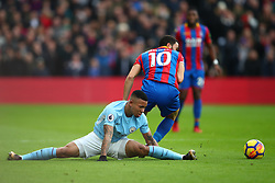 31 December 2017 -  Premier League - Crystal Palace v Manchester City - Gabriel Jesus of Manchester City appears to injure his knee after being turned by Andros Townsend of Crystal Palace - Photo: Marc Atkins/Offside