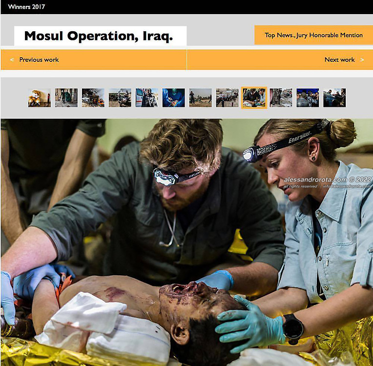 2017 Winner 3rd place, Single shot Award 'Mosul, Iraq' at the World Report Award of the Festival of ethical Photography, Lodi ITA