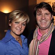 NLD/Naarden/20080401 - Het Arsenaal van jan des Bouvrie bestaat 15 jaar, Caroline Tensen en partner Peter Gallas