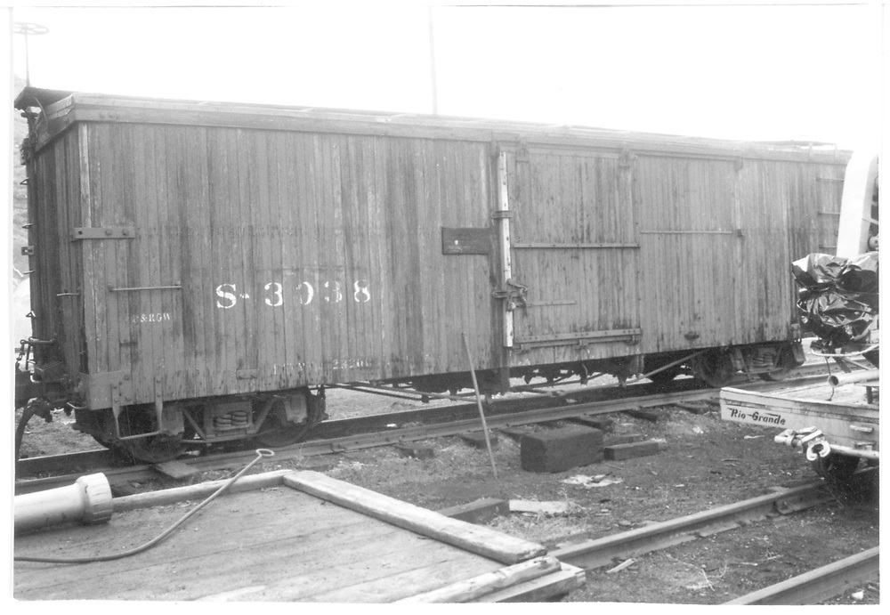 """Side view of box car #3038.<br /> D&RGW    <br /> See RD054-021 for an enlargement of the """"B"""" end."""