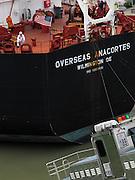 Buque Overseas Anacortes en las esclusas de Miraflores / Canal de Panamá.<br /> <br /> Overseas Anacortes ship at Miraflores Lock / Panama Canal.<br /> <br /> Edición de 10   Víctor Santamaría.