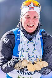 23.02.2020, Suedtirol Arena, Antholz, ITA, IBU Weltmeisterschaften Biathlon, Damen, Massenstart, Siegerehrung, im Bild Weltmeister und Goldmedaillengewinner Marte Olsbu Roeiseland (NOR) // World champion and gold medalist Marte Olsbu Roeiseland of Norway during the winner ceremony for the women's mass start of IBU Biathlon World Championships 2020 at the Suedtirol Arena in Antholz, Italy on 2020/02/23. EXPA Pictures © 2020, PhotoCredit: EXPA/ Stefan Adelsberger