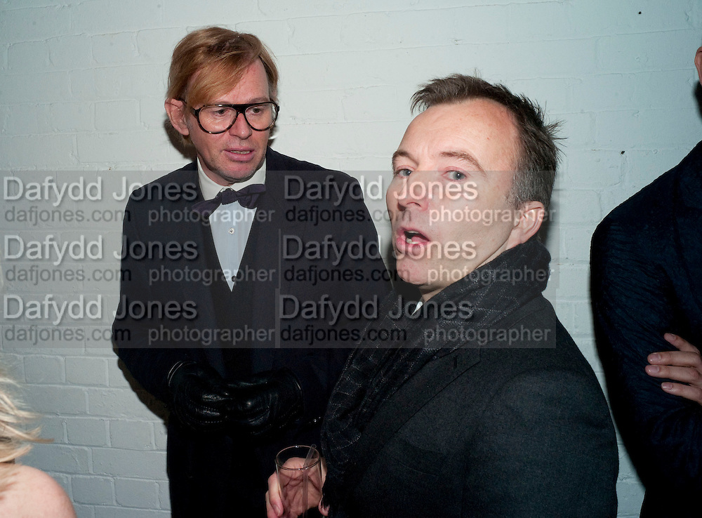 DAVID COLLINS; TONY CHAMBERS, Wallpaper* Design Awards. Wilkinson Gallery, 50-58 Vyner Street, London E2, 14 January 2010 *** Local Caption *** -DO NOT ARCHIVE-© Copyright Photograph by Dafydd Jones. 248 Clapham Rd. London SW9 0PZ. Tel 0207 820 0771. www.dafjones.com.<br /> DAVID COLLINS; TONY CHAMBERS, Wallpaper* Design Awards. Wilkinson Gallery, 50-58 Vyner Street, London E2, 14 January 2010