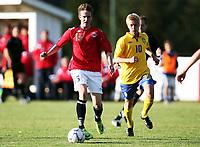 Fotball , 22. september 2009 , Privatkamp , G15 , Norge - Sverige 1-5<br /> Norway - Sweden U15<br />  Andreas Skog , Norge og Rasmus Lindgren , Sverige