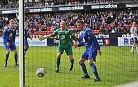 Fotball, tippeligaen, Rosenborg ( RBK ) - Haugesund,<br />  Per Morten Kristiansen ser skruballen fra Steffen Iversen gå inn, Steffen i høyre kant av bildet,<br /> Foto: Carl-Erik Eriksson, Digitalsport