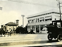 1914 The Hollywood National Bank on the SW corner of Hollywood Blvd. & Cahuenga Blvd.