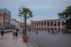 THEMENBILD - die Arena von Verona und der Platz Brà, aufgenommen am 28. Juli 2018, Verona, Italien // the arena of Verona and the square Brà on 2018/07/28, Verona, Italy. EXPA Pictures © 2018, PhotoCredit: EXPA/ Stefanie Oberhauser
