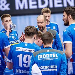 Juergen Schweikardt (Trainer TVB Stuttgart) ; mit Team / LIQUI MOLY HBL 20/21  1. Handball-Bundesliga: TVB Stuttgart - FRISCH AUF! Goeppingen am 24.04.2021 in Stuttgart (SCHARRena), Baden-Wuerttemberg, Deutschland beim Spiel in der Handball Bundesliga, TVB 1898 Stuttgart - FRISCH AUF! Goeppingen.<br /> <br /> Foto © PIX-Sportfotos *** Foto ist honorarpflichtig! *** Auf Anfrage in hoeherer Qualitaet/Aufloesung. Belegexemplar erbeten. Veroeffentlichung ausschliesslich fuer journalistisch-publizistische Zwecke. For editorial use only.