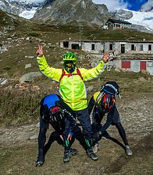 16-09-2017 FRA: BvdGF Tour du Mont Blanc day 7, Beaufort<br /> De laatste etappe waar we starten eindigen we ook weer na een prachtige route langs de Mt. Blanc / Carlos, Eelco, Marcos