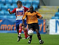 Fotball<br /> Treningskamp<br /> 21.07.2004<br /> FC Lyn Oslo v Wolverhampton 2-1<br /> Foto: Morten Olsen, Digitalsport<br /> <br /> Christoffer Dahl - Lyn<br /> Shaun Newton - Wolves