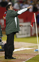 SAN FRANCISCO, CAL   25-01-2006<br /> <br /> Ricardo Lavolpe (DT Mexico) during friendly match between Mexico and Norway at Monster Park stadium in San Francisco, California, on January, 25, 2006<br /> <br /> <br /> <br /> FOTO ©ALEJANDRO MELENDEZ  Clasos/Graffiti