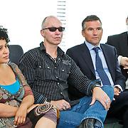 NLD/Den Haag/20100906 - Start Alfabetiseringsweek met installatie forum A tot Z, Tania Kross