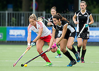 BREDA (Neth.)  Kate Sellar (r) of NZ during the match  New Zealand vs England U21 women . Volvo Invitational Tournament U21. COPYRIGHT KOEN SUYK