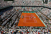 Roland Garros. Paris, France. June 6th 2006..Mario Ancic against Roger Federer (top) during the 1/4 finals.