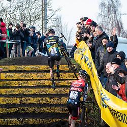 2019-12-27 Cycling: dvv verzekeringen trofee: Loenhout: Upstairs: Corne van Kessel and Eli Iserbyt climbing the steps