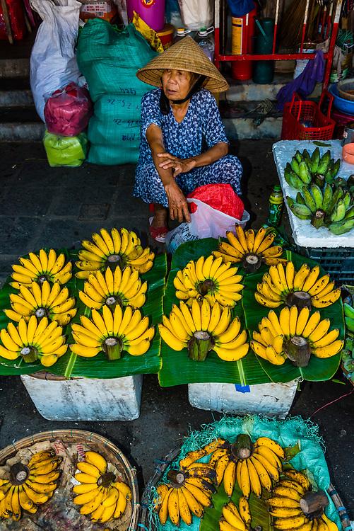 Bananas, Outdoor market, Central Market, Hoi An, Vietnam.
