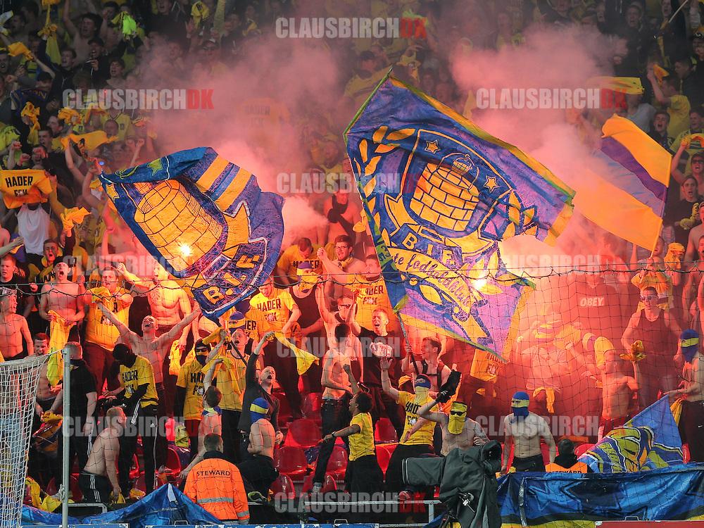 Brøndby fans under kampen i Superligaen mellem FC København og Brøndby IF den 4. maj 2014 i Parken, København. Foto: Claus Birch
