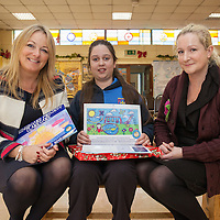 Judges Cllr Mary Howard, and Local Artist Sinead Slattery with student Bernadette McDonagh