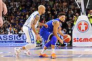 DESCRIZIONE : Beko Legabasket Serie A 2015- 2016 Dinamo Banco di Sardegna Sassari - Enel Brindisi<br /> GIOCATORE : Scottie Reynolds<br /> CATEGORIA : Palleggio Curiosità<br /> SQUADRA : Enel Brindisi<br /> EVENTO : Beko Legabasket Serie A 2015-2016<br /> GARA : Dinamo Banco di Sardegna Sassari - Enel Brindisi<br /> DATA : 18/10/2015<br /> SPORT : Pallacanestro <br /> AUTORE : Agenzia Ciamillo-Castoria/C.Atzori