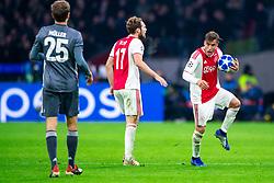12-12-2018 NED: Champions League AFC Ajax - FC Bayern Munchen, Amsterdam<br /> Match day 6 Group E - Ajax - Bayern Munchen 3-3 / Thomas Muller #25 of Bayern Munich, Daley Blind #17 of Ajax, Nicolas Tagliafico #31 of Ajax