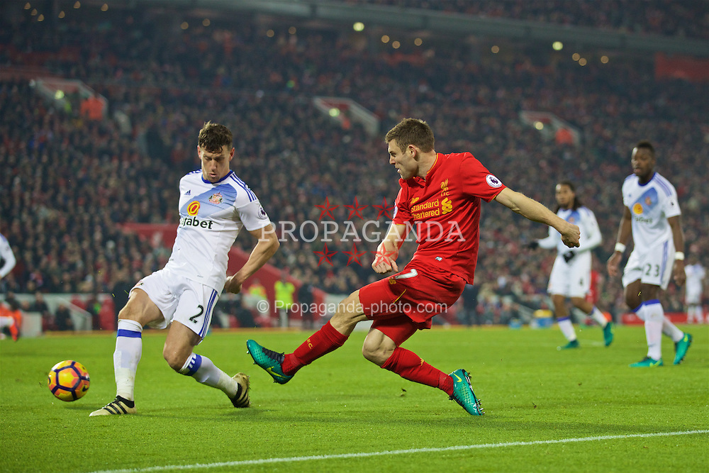 LIVERPOOL, ENGLAND - Saturday, November 26, 2016: Liverpool's James Milner in action against Sunderland during the FA Premier League match at Anfield. (Pic by David Rawcliffe/Propaganda)