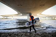20180207/ Javier Calvelo - adhocFOTOS/ URUGUAY/ MALDONADO/ Laguna Garzón / El puente de Laguna Garzón es un puente de forma circular, ubicado sobre la Laguna Garzón, en Maldonadoy diseñado por el arquitecto uruguayo Rafael Viñoly.<br /> En la foto: Puente de la Laguna Garzón, Maldonado. Foto: Javier Calvelo /  adhocFOTOS