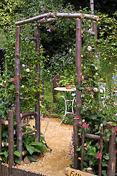 Rustic arch. Design: Louise Elliot and Beth Houlden - Chelsea 2005
