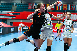 Laura Van Der Heijden of Netherlands in action during the Women's EHF Euro 2020 match between Netherlands and Hungry at Sydbank Arena on december 08, 2020 in Kolding, Denmark (Photo by RHF Agency/Ronald Hoogendoorn)