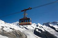 Rote Nase cable car above Gornergletcher, Hohtalli (nr Gornergrat/Zermatt), Switzerland