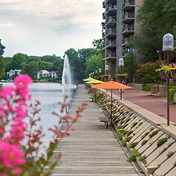 Washington Plaza at Lake Anne  Around Reston