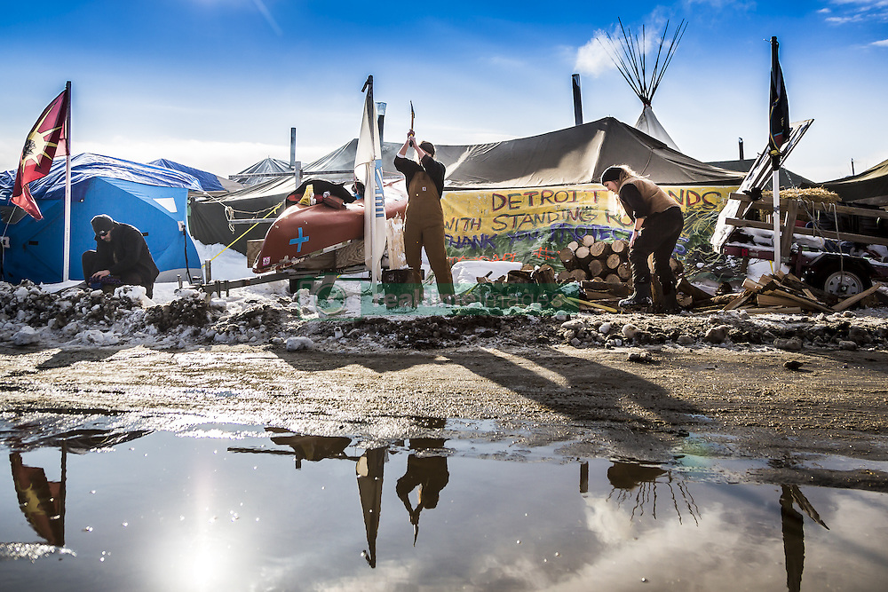 December 3, 2016 - Cannonball, North Dakota, United States - Veterans arrived en mass to Standing Rock, bringing a massive amount of supplies including winter clothing, food and firewood by the truck load.  Over 5000 veterans are anticipated to arrive by Sunday evening, prior to various actions slated to place. (Credit Image: © Michael Nigro/Pacific Press via ZUMA Wire)