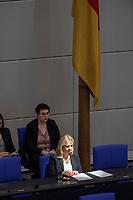 24 MAR 2017, BERLIN/GERMANY:<br /> Verena Bentele, Beauftragte der Bundesregierung<br /> fuer die Belange von Menschen mit Behinderungen, auf der Regierungsbank, waehrend der Bundestagesdebatte zum Teilhabebericht der Bundesregierung 2016, Plenum, Deutscher Bundestag<br /> IMAGE: 20170324-01-016
