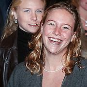 Premiere Kruimeltje, Anouk Drost en haar zus Gigi