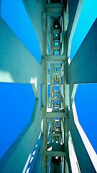 Il progetto si snoda attraverso l'osservazione attenta della struttura architettonica per analizzare nei dettagli la filosofia del progetto realizzato dall'architetto gio Ponti