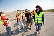 De ochtendruns van de derde racedag. In Battle Mountain (Nevada) wordt ieder jaar de World Human Powered Speed Challenge gehouden. Tijdens deze wedstrijd wordt geprobeerd zo hard mogelijk te fietsen op pure menskracht. De deelnemers bestaan zowel uit teams van universiteiten als uit hobbyisten. Met de gestroomlijnde fietsen willen ze laten zien wat mogelijk is met menskracht.<br /> <br /> In Battle Mountain (Nevada) each year the World Human Powered Speed Challenge is held. During this race they try to ride on pure manpower as hard as possible.The participants consist of both teams from universities and from hobbyists. With the sleek bikes they want to show what is possible with human power.
