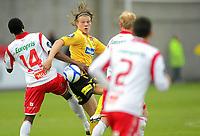 Fotball, Tippeligaen, 06.05.2011, Fredrikstad stadion, Fredrikstad v Lillestrøm, Khalafi Jabbie i duell med Björn Bergmann Sigurdarson,FOTO: Thomas Andersen