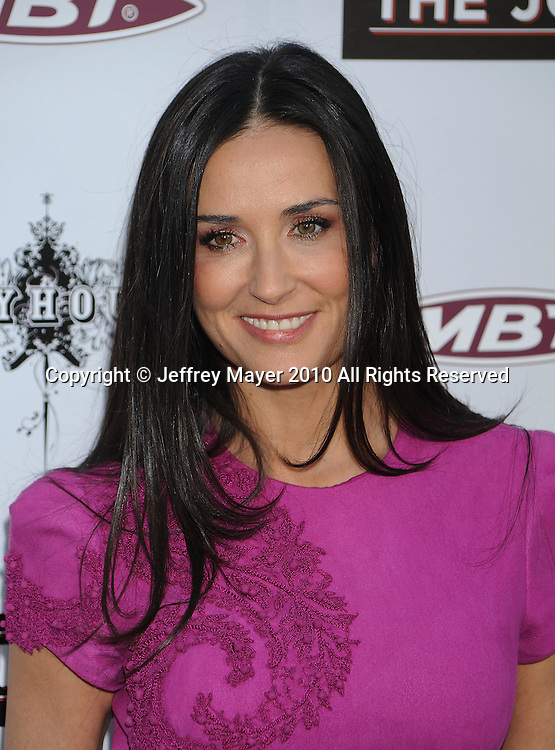 """HOLLYWOOD, CA. - April 08: Demi Moore  arrives to """"The Jonses"""" Los Angeles Premiere at ArcLight Cinemas on April 8, 2010 in Hollywood, California."""