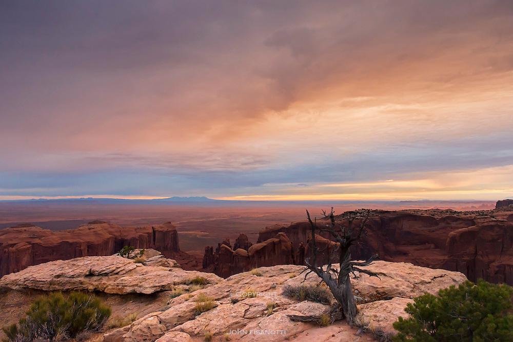 Dawn at Hunt's Mesa, Utah