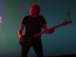 October 9, 2018 - SãO Paulo, Brazil - SÃO PAULO, SP - 09.10.2018: ROGER WATERS FAZ SHOW EM SÃO PAULO - Presentation of the English singer Roger Waters that happened on Tuesday (09), at Allianz Park, in São Paulo with the tour US & Them. George Roger Waters is a musician, singer and songwriter. He is one of the founders of the band of progressive rock and psychedelic Pink Floyd, in which it acted like bassist and vocalista. (Credit Image: © Emerson Santos/Fotoarena via ZUMA Press)