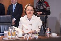 14 MAR 2018, BERLIN/GERMANY:<br /> Annette Widmann-Mauz, CDU, Beauftragte der Bundesregierung fuer Migration, Fluechtlinge und Integration, vor Beginn der ersten Sitzung des Kabinetts Merkel IV, Kabinettsaal, Bundeskanzleramt<br /> IMAGE: 20180314-02-006<br /> KEYWORDS: Kabinett, Kabinettsitzung, Sitzung,, neues Kabinett